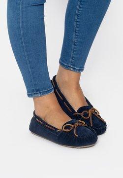 Minnetonka - CALLY - Chaussures bateau - navy