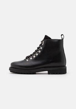 Pieces - PSSANARA BOOT - Veterboots - black