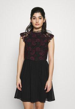 Chi Chi London Petite - SAWYER DRESS - Cocktailklänning - black