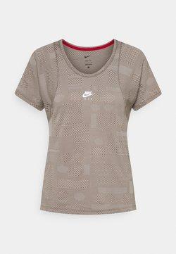 Nike Performance - AIR - T-Shirt print - college grey/moon fossil