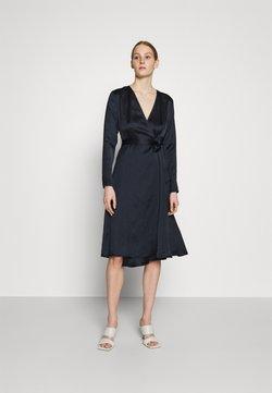 NU-IN - BELTED WRAP MIDI DRESS - Cocktailkleid/festliches Kleid - black