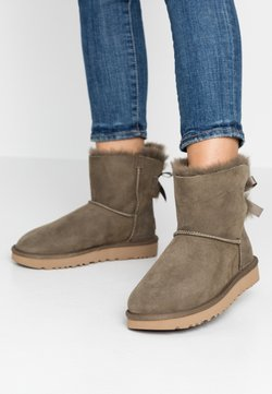 UGG - MINI BAILEY BOW - Stiefelette - euculyptus spray