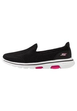 Skechers Performance - GO WALK 5 - Zapatillas para caminar - black/pink