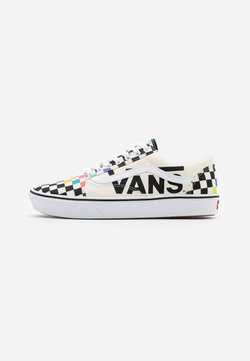 Vans - COMFYCUSH OLD SKOOL UNISEX - Trainers - white