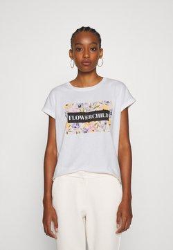 Vero Moda - VMVENJAAVA WIDE BOX  - T-Shirt print - snow white