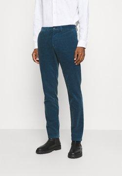 Tommy Hilfiger - DENTON CORDUROY PANT - Pantalon classique - blue
