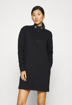 Calvin Klein Jeans - LOGO TRIM MOCK NECK ZIP DRESS - Freizeitkleid - black