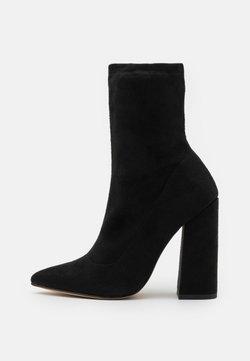 Missguided - FLARED HEEL SOCK BOOT - Nilkkurit - black