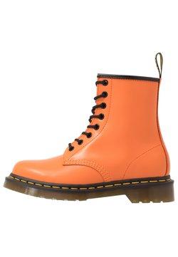 Dr. Martens - 1460 EYE BOOT - Schnürstiefelette - orange smooth