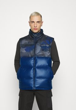 adidas Originals - CAMO VEST - Waistcoat - multicolor