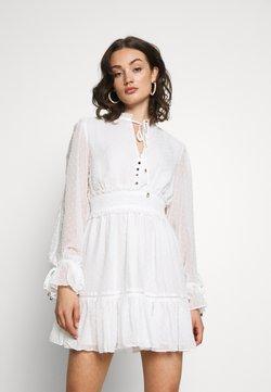 Forever New - MACIE SKATER DRESS - Korte jurk - porcelain