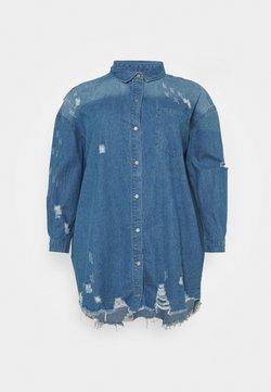 Missguided Plus - SUPER DISTRESS DRESS - Vestido vaquero - blue