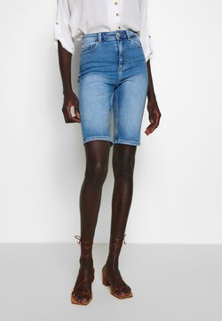 PIECES Tall - PCKAMELIA  - Jeansshort - light blue denim