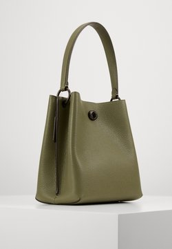 Coach - POLISHED PEBBLE CHARLIE BUCKET  - Torba na ramię - light fern