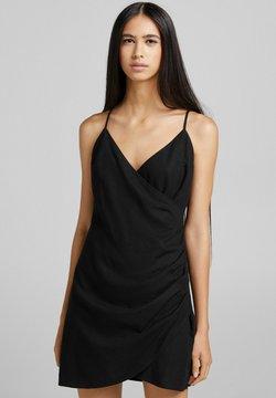 Bershka - UND AUSSCHNITT IN WICKELOPTIK  - Korte jurk - black