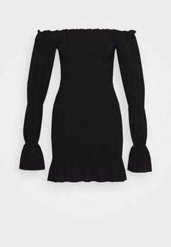 NA-KD - PAMELA REIF X NA-KD PUFFY SLEEVE SMOCKED DRESS - Freizeitkleid - black