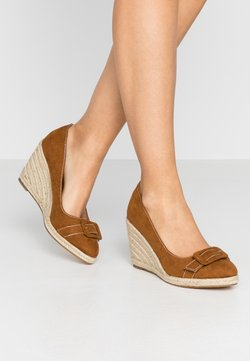 Dorothy Perkins - EVE BUCKLE WEDGE COURT - Hoge hakken - tan