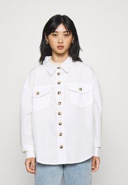 Missguided Petite - CONTRAST DOUBLE BUTTON POCKET SHIRT - Koszula - white