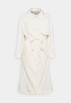 adidas Originals - TRENCH ORIGINALS ADICOLOR PRIMEGREEN COAT - Trenchcoat - white