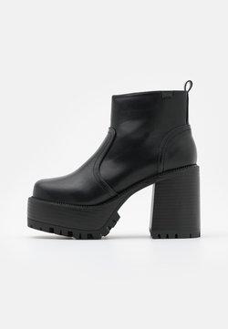 Emmshu - BRAT - Platform-nilkkurit - black