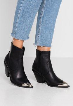 Rubi Shoes by Cotton On - CLARENCE - Botki kowbojki i motocyklowe - black smooth