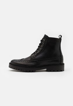 Selected Homme - SLHRICKY BROGUE BOOT - Schnürstiefelette - black