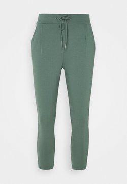 Vero Moda Petite - VMEVA LOOSE STRING PANTS - Stoffhose - balsam green