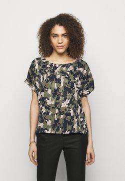 DRYKORN - SOMIA - Camiseta estampada - dark green