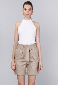 Basics and More - Shorts - beige