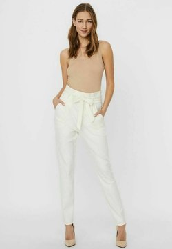 Vero Moda - LOOSE PAPERBAG  - Jogginghose - cloud dancer