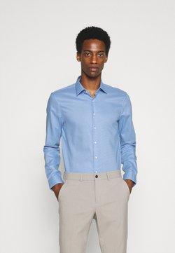 Calvin Klein Tailored - STRUCTURE SLIM  - Businesshemd - light blue