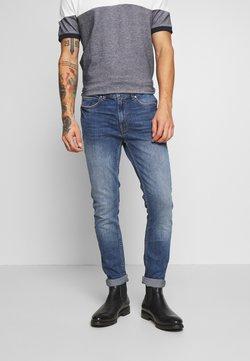 Burton Menswear London - ORGANIC - Slim fit jeans - mid blue