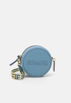 Coach - COLORBLOCK PENN CIRCLE BAG - Bandolera - blue