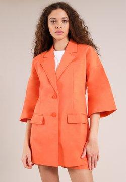 blonde gone rogue - Manteau court - orange