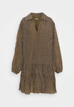 Glamorous Tall - LADIES DRESS GINGHAM - Blusenkleid - olive metallic