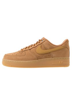 Nike Sportswear - AIR FORCE 1 '07 - Sneakers - flax/wheat/light brown/black/team gold
