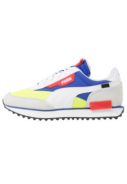 Puma - FUTURE RIDER PLAY ON UNISEX - Sneakers laag - white/yellow alert