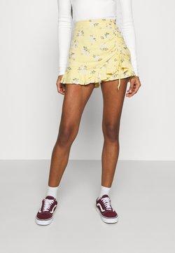 Hollister Co. - RUFFLE SKORT - Shorts - yellow