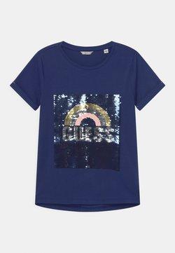 Guess - JUNIOR HIGH LOW - T-Shirt print - passion blue