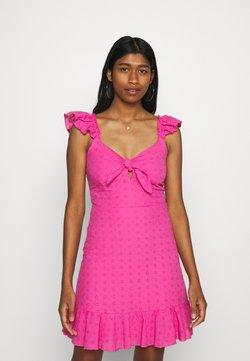 Trendyol - Vestido informal - pink
