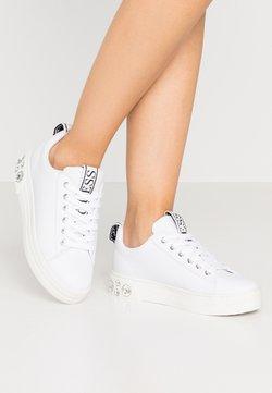 Guess - RIVET - Sneaker low - white
