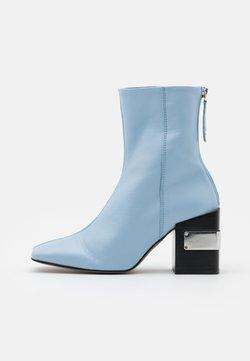 Topshop - HARRIS BLOCK - Enkellaarsjes met hoge hak - light blue