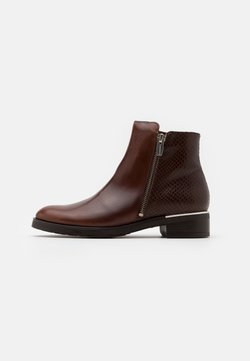 WONDERS - Ankle Boot - marron