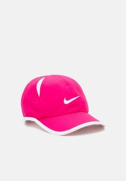 Nike Sportswear - NAN FEATHERLIGHT UNISEX - Cap - rush pink