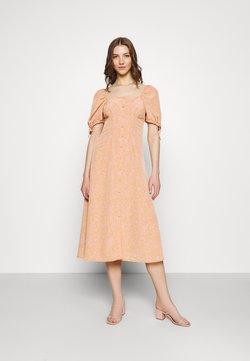 Fashion Union - BIATRRITZ DRESS - Maxiklänning - bandana
