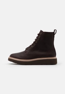Clarks - TRACE PINE - Plateaustiefelette - burgundy