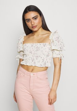 Missguided Petite - SHIRRED PUFF SLEEVE CROP - Bluse - cream