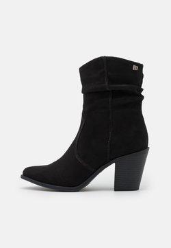 mtng - SCORPIUS - Korte laarzen - black