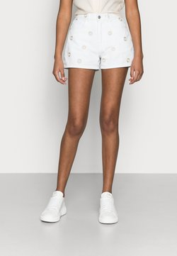 Vero Moda Petite - VMJOANA PETITE - Jeans Shorts - bright white