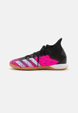 adidas Performance - PREDATOR FREAK .3 IN - Botas de fútbol sin tacos - core black/footwear white/shock pink